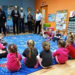 Goście w oddziale dla 6-latków. Fot. GK