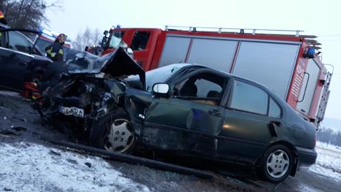 zdjęcie z wypadku z goleszowie 28.02.2018 fot. damian sobczyk